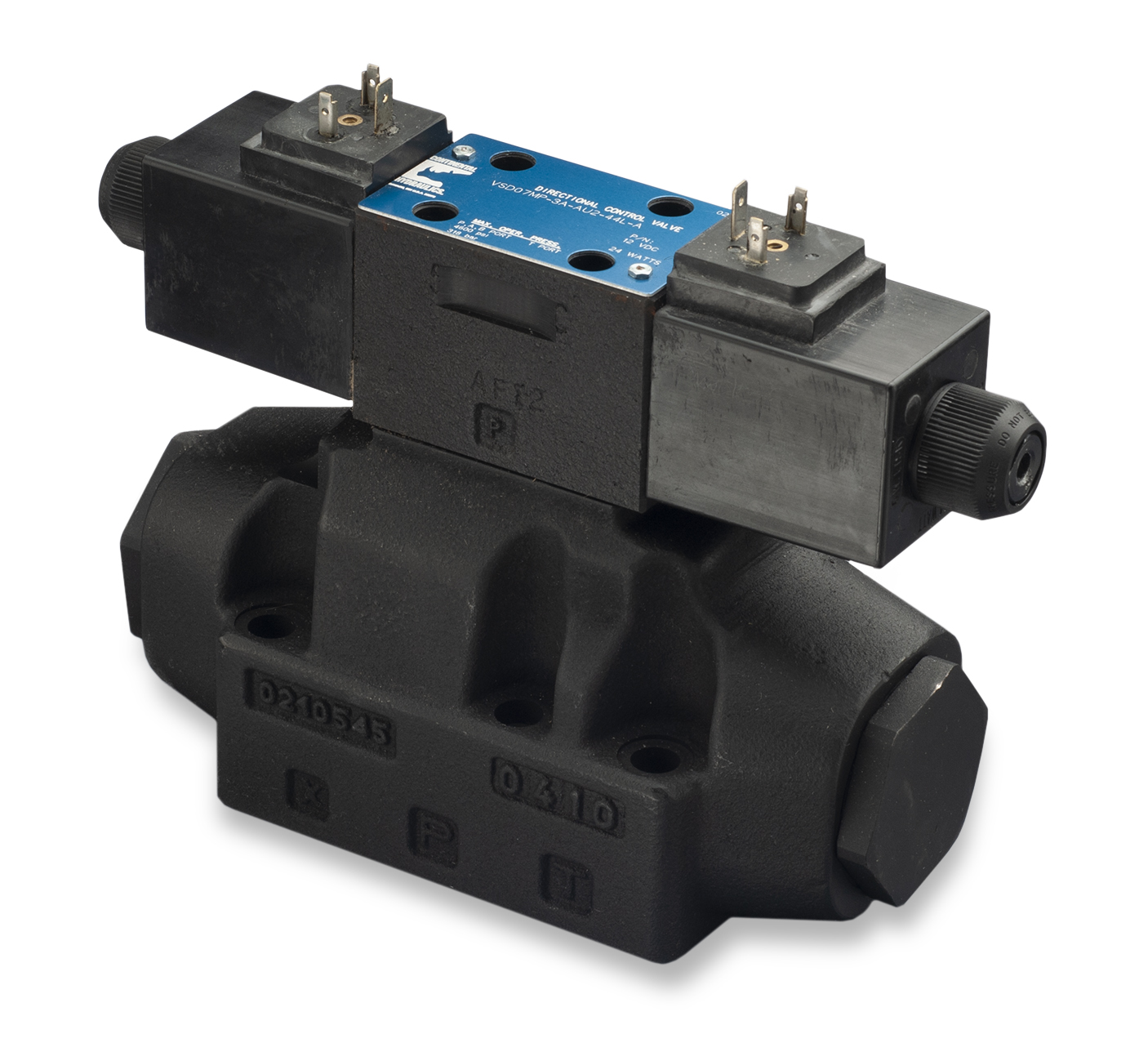 VSD05AM directional control valve; white background